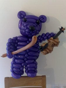 balloon bear violin